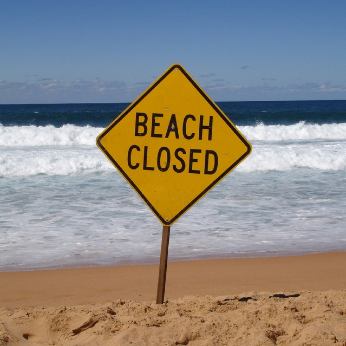 beach-closed-1394748-639×852